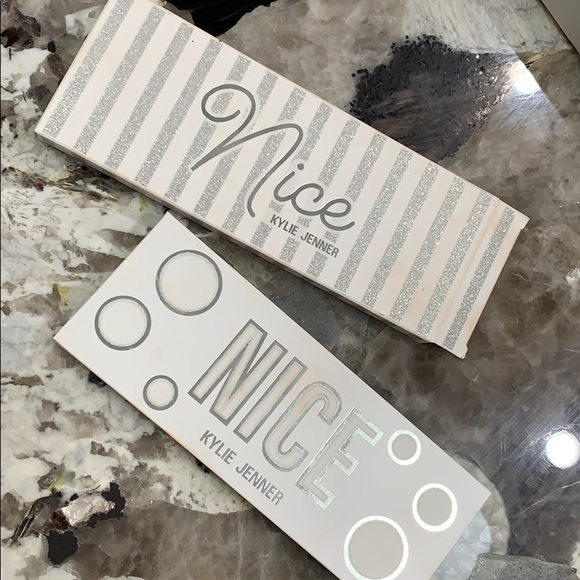 Kylie Cosmetics Other - Kylie Jenner Cosmetics Nice Eyeshadow pallet